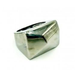 Symmetric rhodium ring